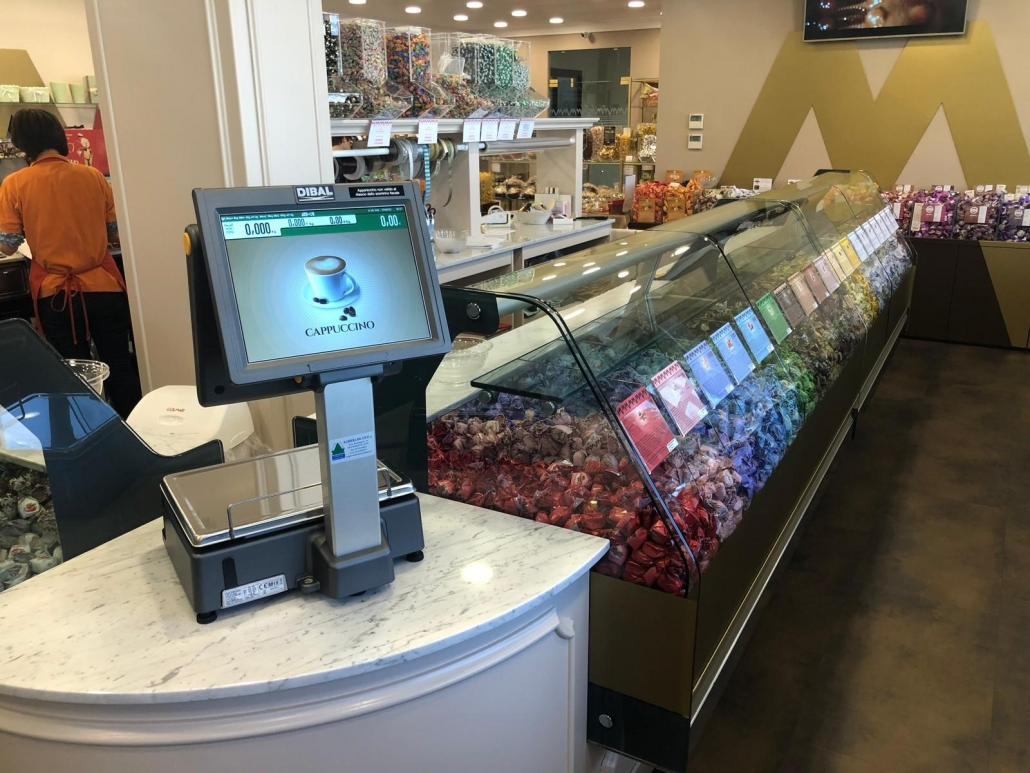 Installazione bilancia Dibal in negozio